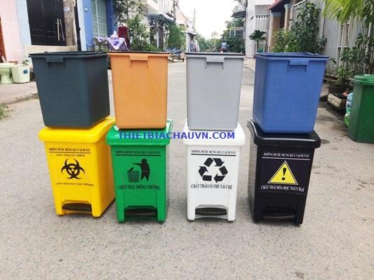 Thùng đựng rác thải y tế có đạp chân nhựa HDPE