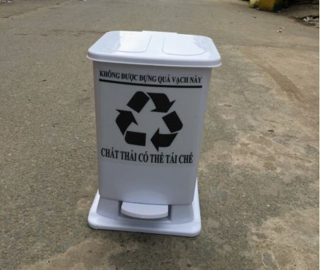 Thùng rác nhựa y tế đạp chân 8 lít